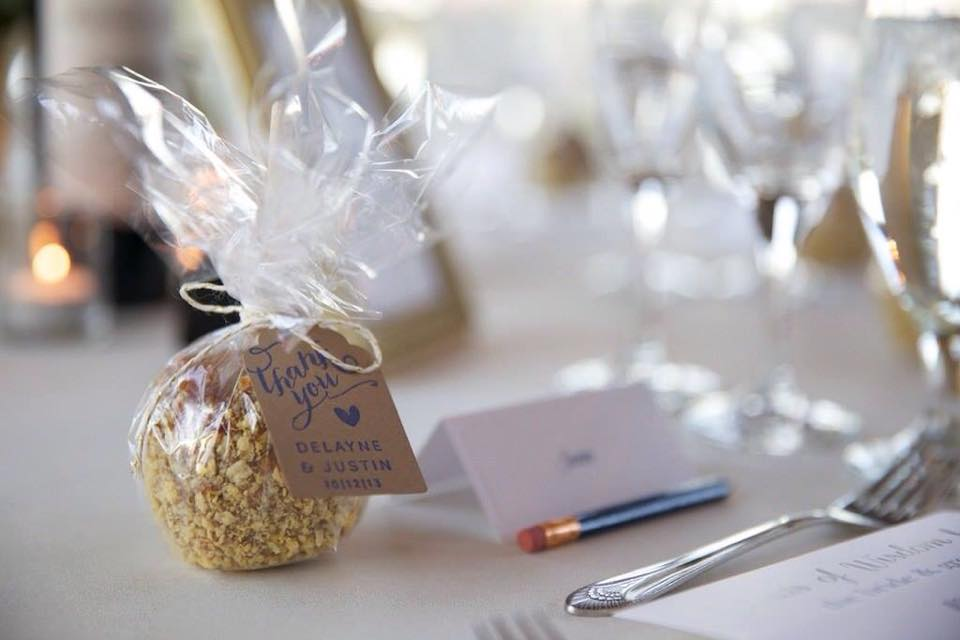 Examples Of Caramel Apple Wedding Favors